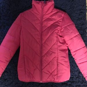 Warm puffer jacket perfect for cold weather!